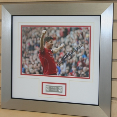 Stevie G signed 12 x 8 photo