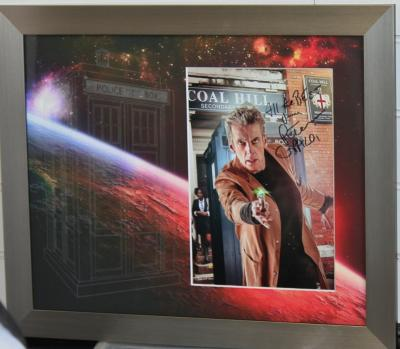 Peter Capaldi signd 12 x 8 photo