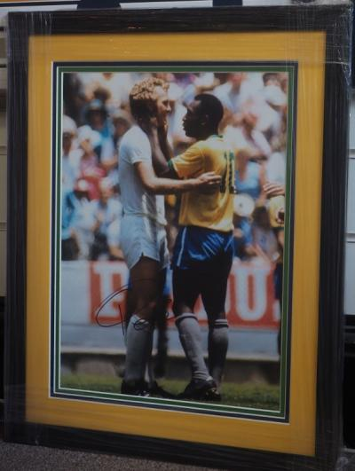 Pele hand signed A3 photograph